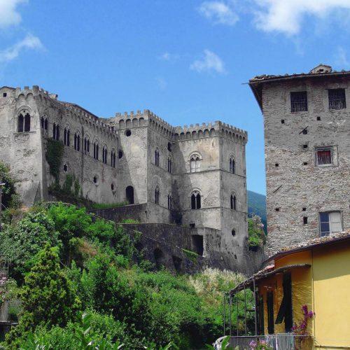 Buti, Castel Tonini